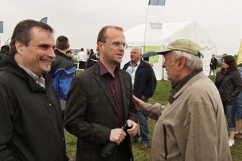 hejtman Martin Netolický s radním Václavem Kroutilem na výstavě v Nabočanech