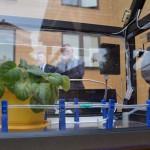 model skleníku pro pěstování rostlin, který je řízen počítačem